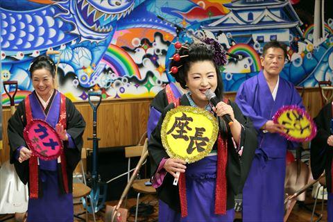 「てるてる座」座長:菊川由貴さん。